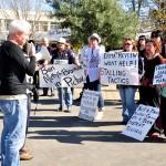 Stefan Browning addresses the anti Methyl Bromide protesters